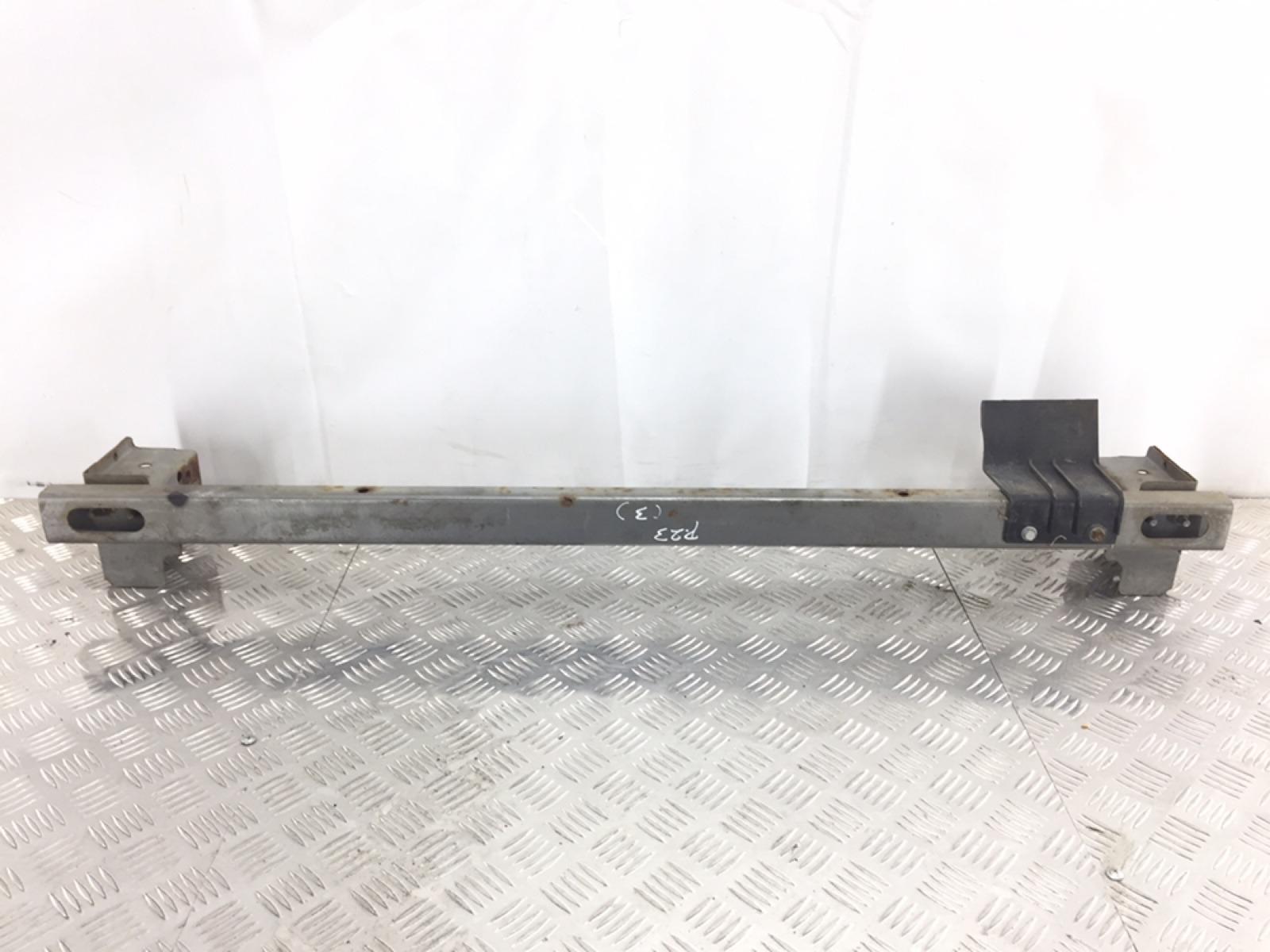 Усилитель бампера переднего Nissan X-Trail T30 2.2 DCI 2005 (б/у)