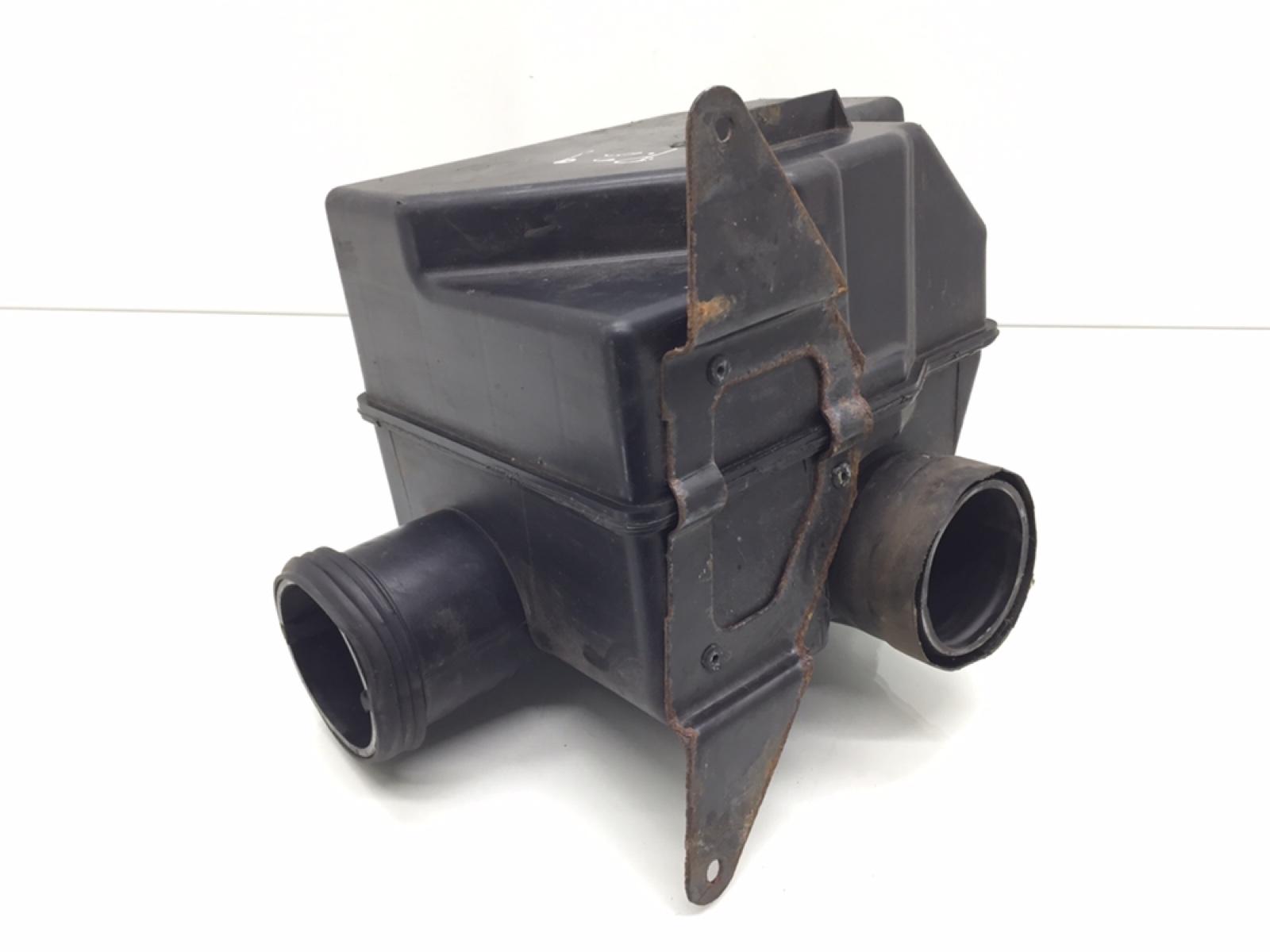 Резонатор воздушного фильтра Hyundai Coupe 2.0 I 2009 (б/у)