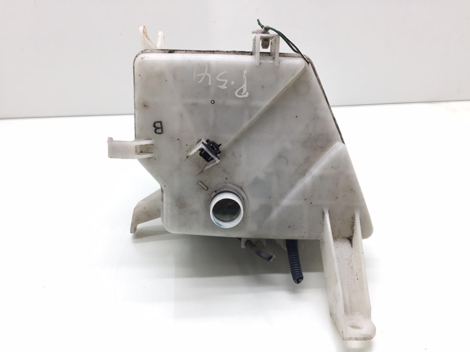 Бачок омывателя Toyota Auris 1.6 I 2007 (б/у)