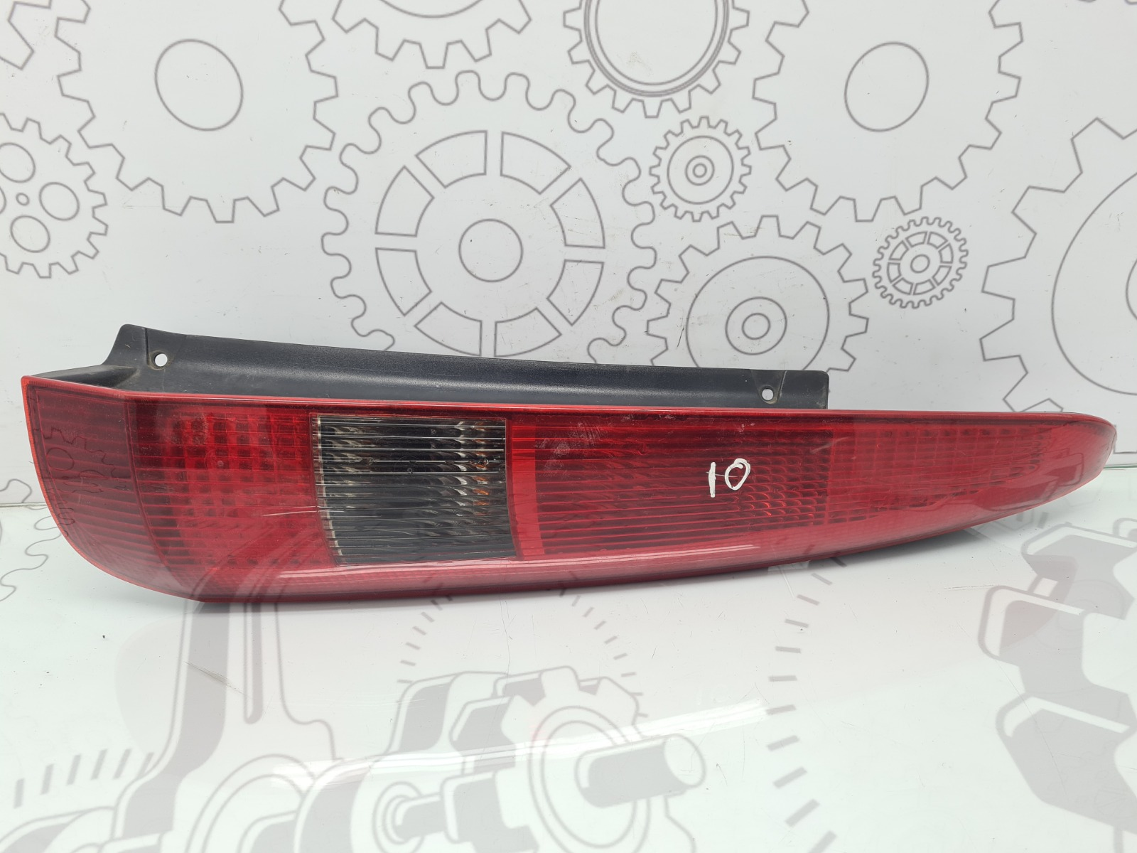 Фонарь задний правый Ford Fusion 1.4 I 2004 (б/у)