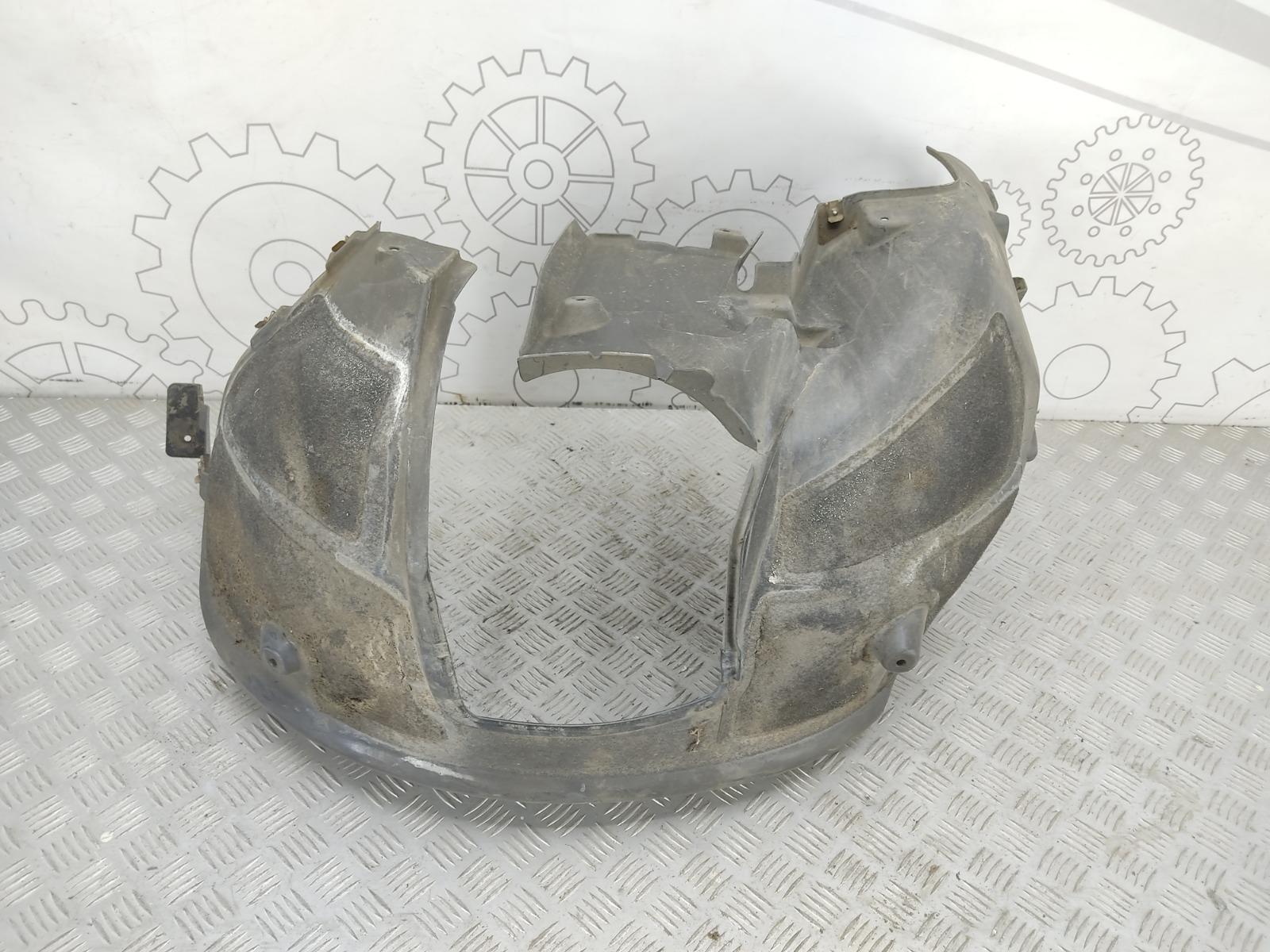 Защита арок передняя правая (подкрылок) Bmw 5 E60 3.0 I 2004 (б/у)