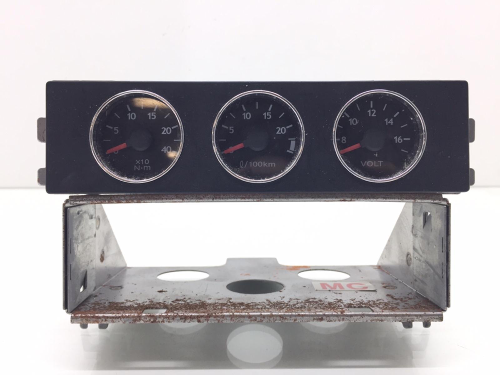 Щиток приборов (приборная панель) Hyundai Coupe 2.0 I 2009 (б/у)