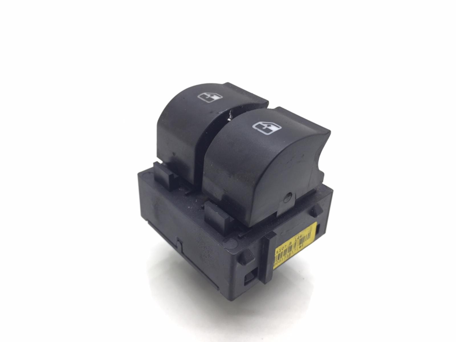 Кнопка стеклоподъемника Fiat Bravo 1.4 I 2007 (б/у)