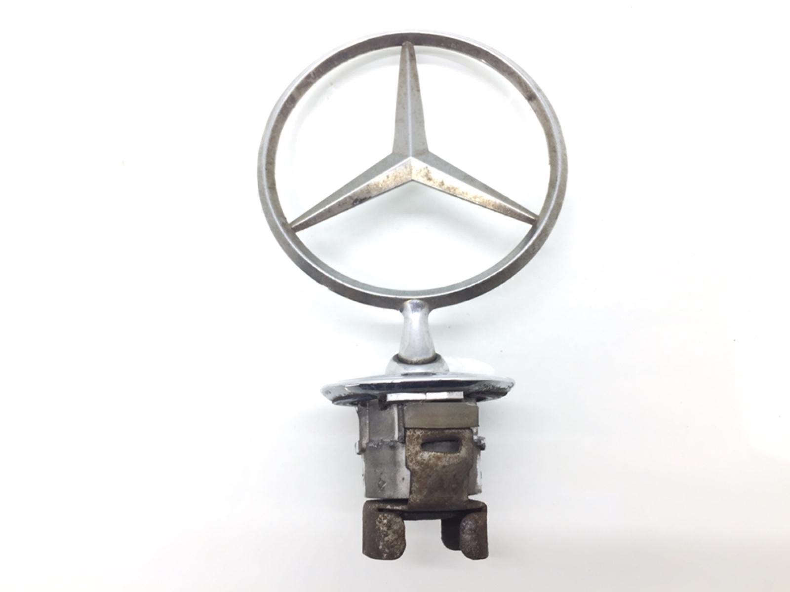 Эмблема Mercedes E W211 3.0 CDI 2005 (б/у)
