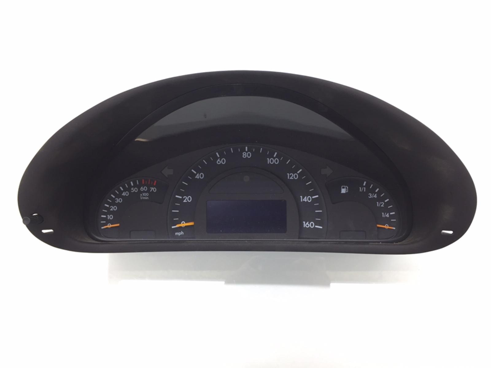 Щиток приборов (приборная панель) Mercedes C W203 2.6 I 2003 (б/у)