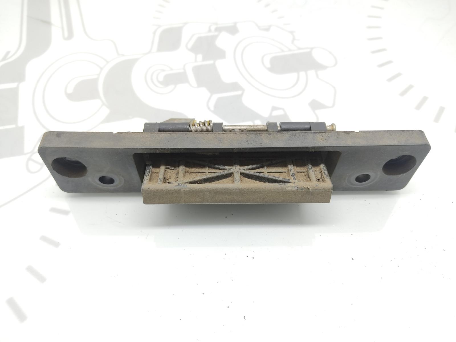 Ручка крышки багажника Kia Sorento 2.5 CRD 2006 (б/у)