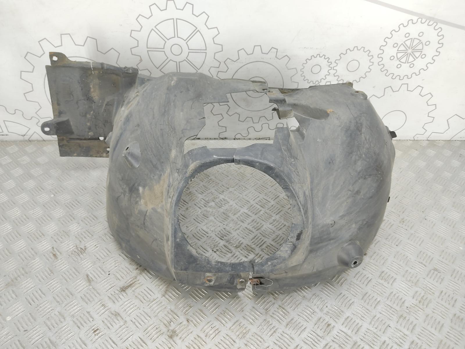 Защита арок передняя правая (подкрылок) Mercedes C W203 2.2 CDI 2006 (б/у)