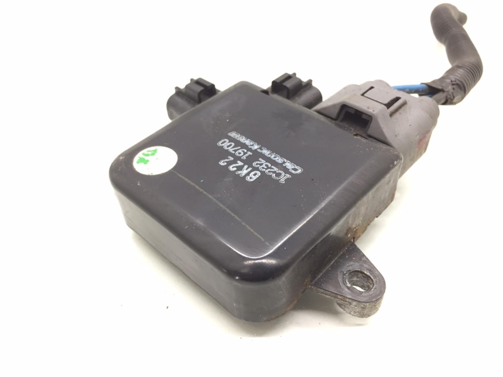 Блок управления вентилятором радиатора Mitsubishi Outlander 2.4 I 2004 (б/у)