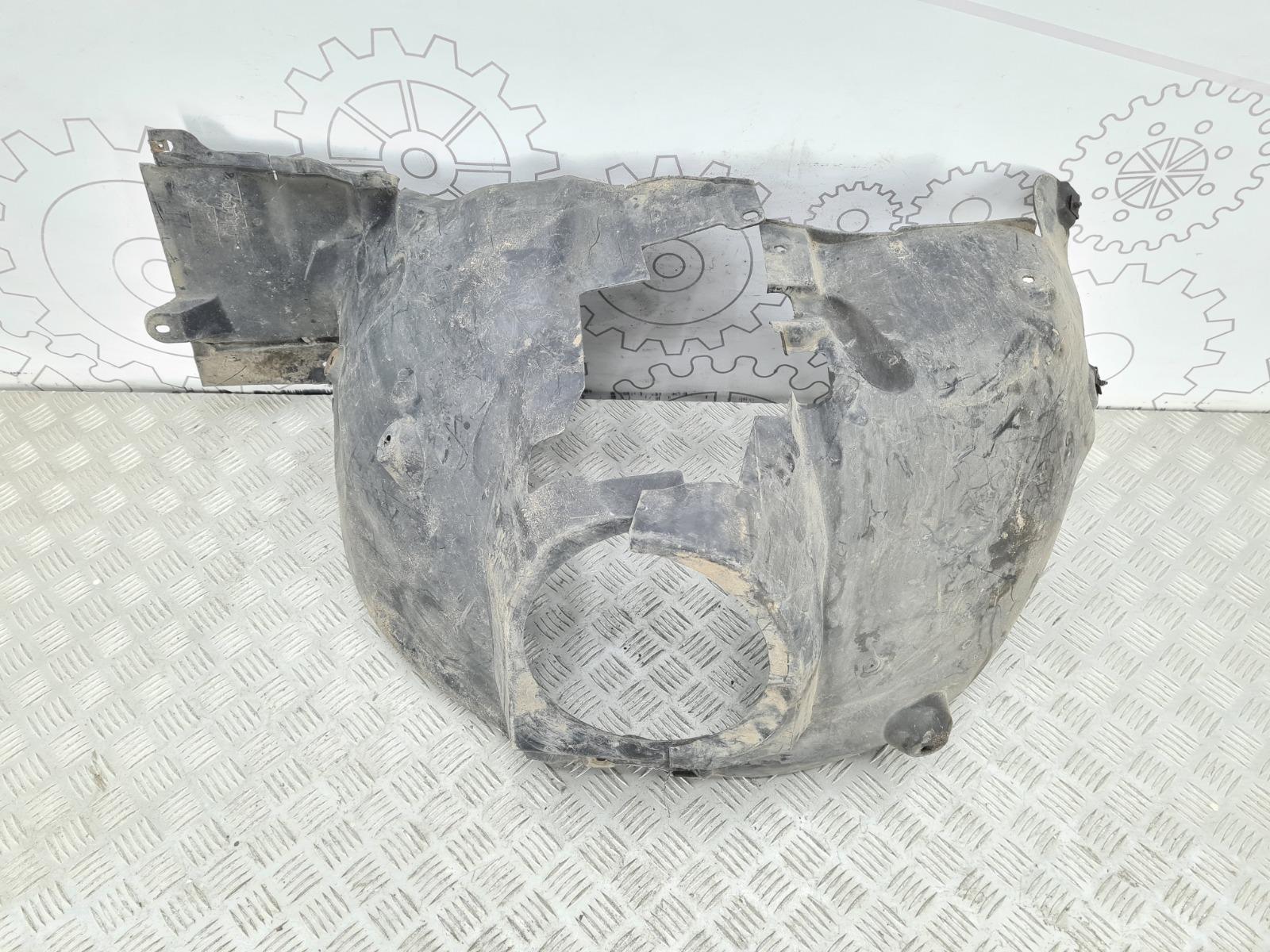 Защита арок передняя правая (подкрылок) Mercedes C W203 2.0 I 2001 (б/у)