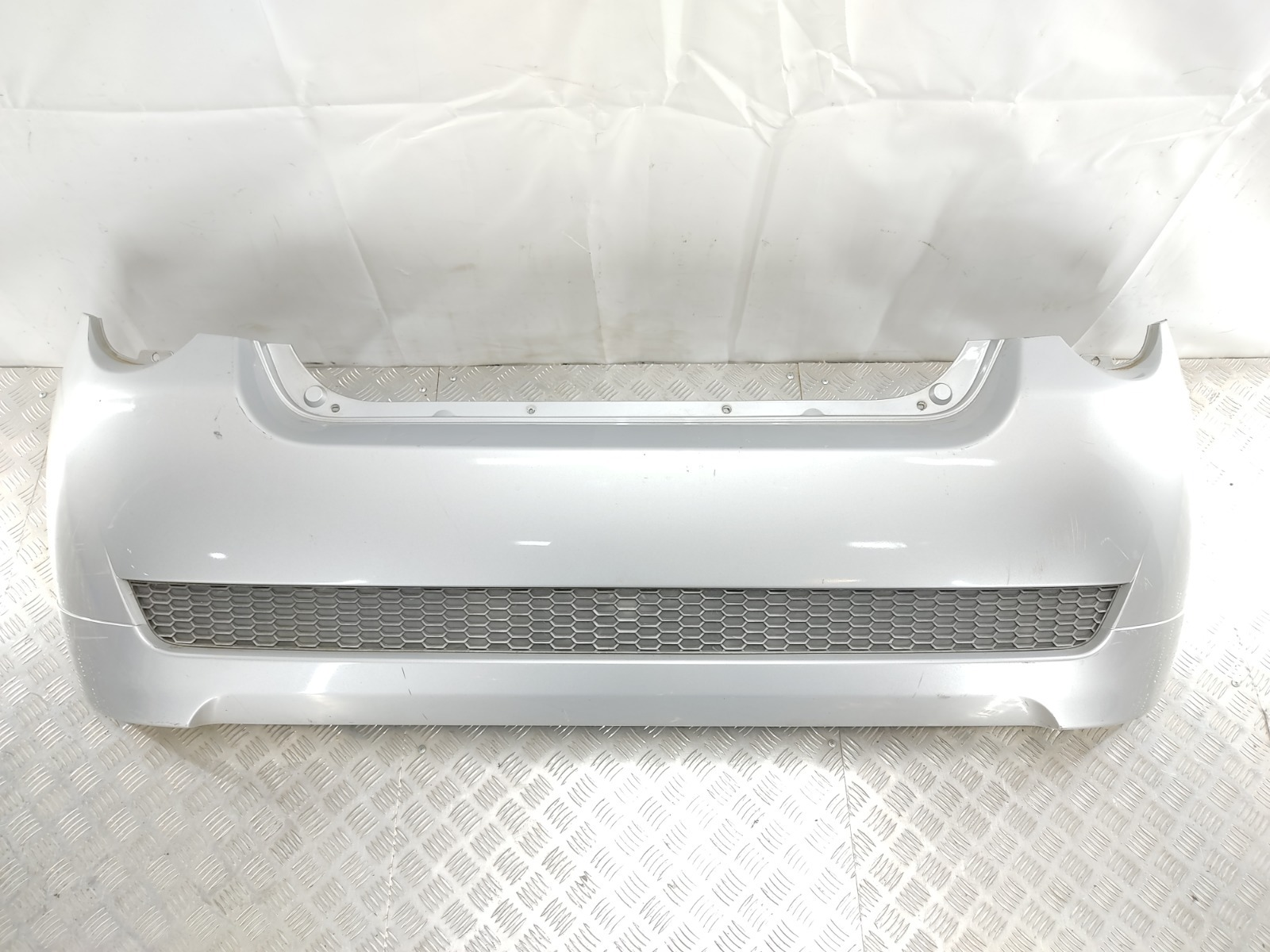 Бампер задний Chevrolet Aveo T250 1.4 I 2010 (б/у)
