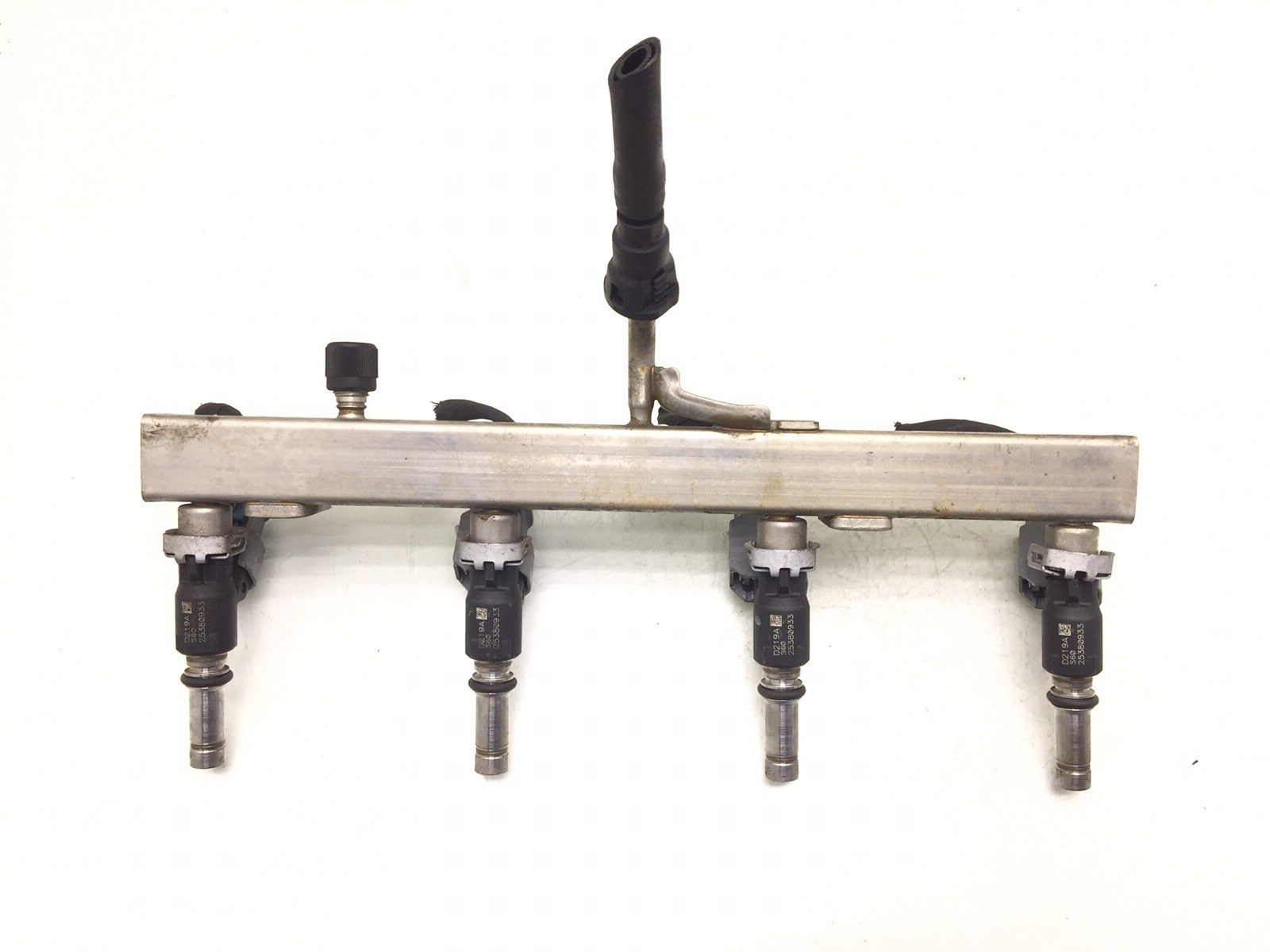 Топливная рампа Chevrolet Aveo T250 1.4 I 2010 (б/у)