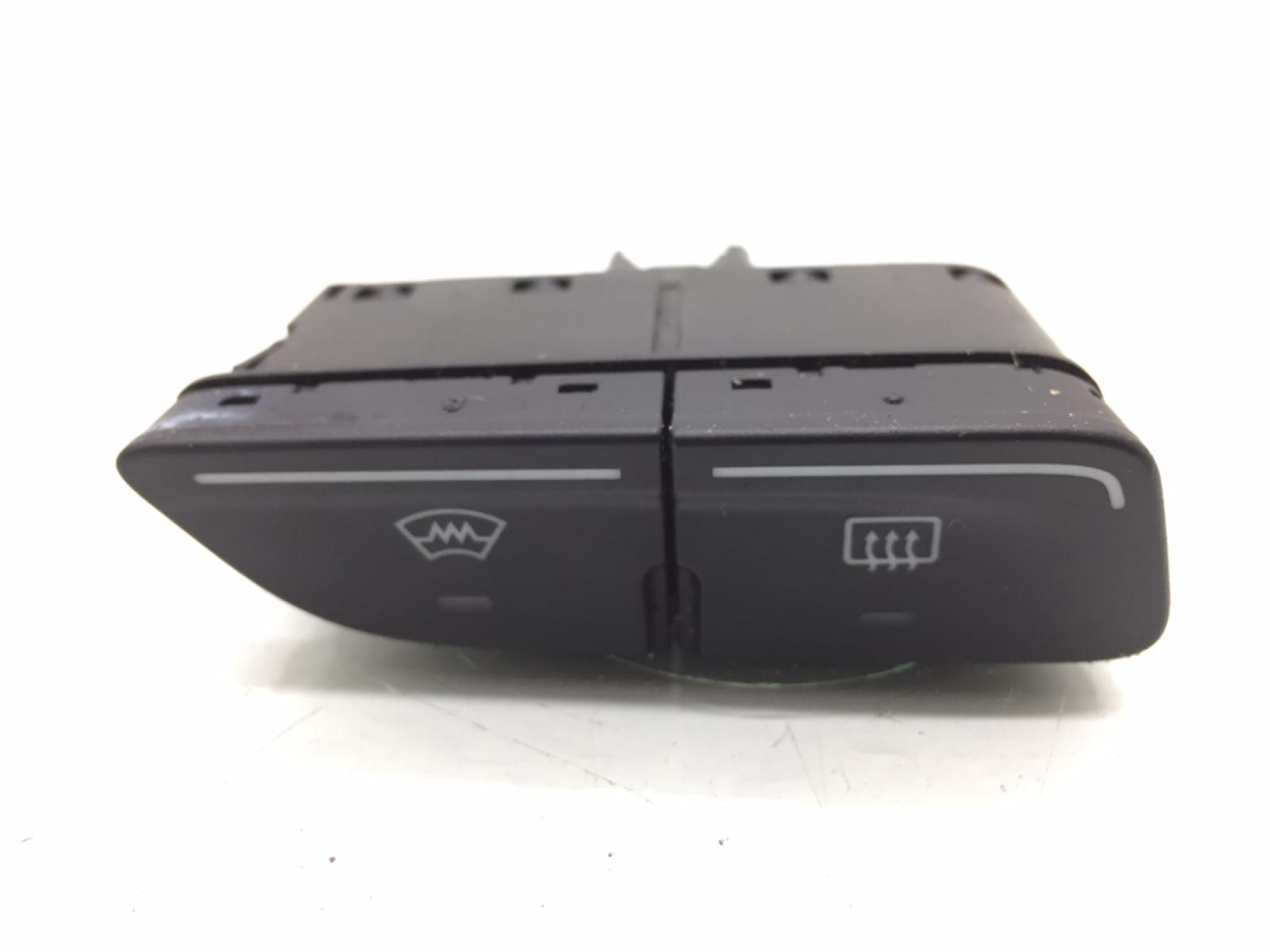 Кнопка обогрева заднего стекла Ford Focus 3 1.0 I 2013 (б/у)
