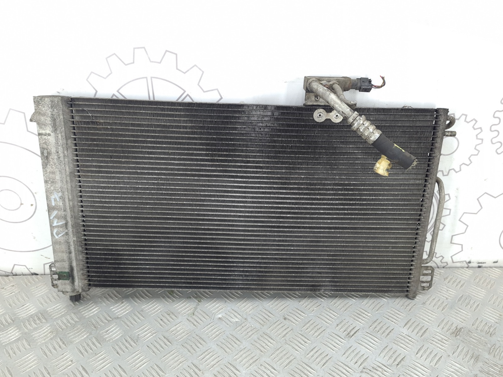 Радиатор кондиционера Mercedes C W203 2.6 I 2001 (б/у)