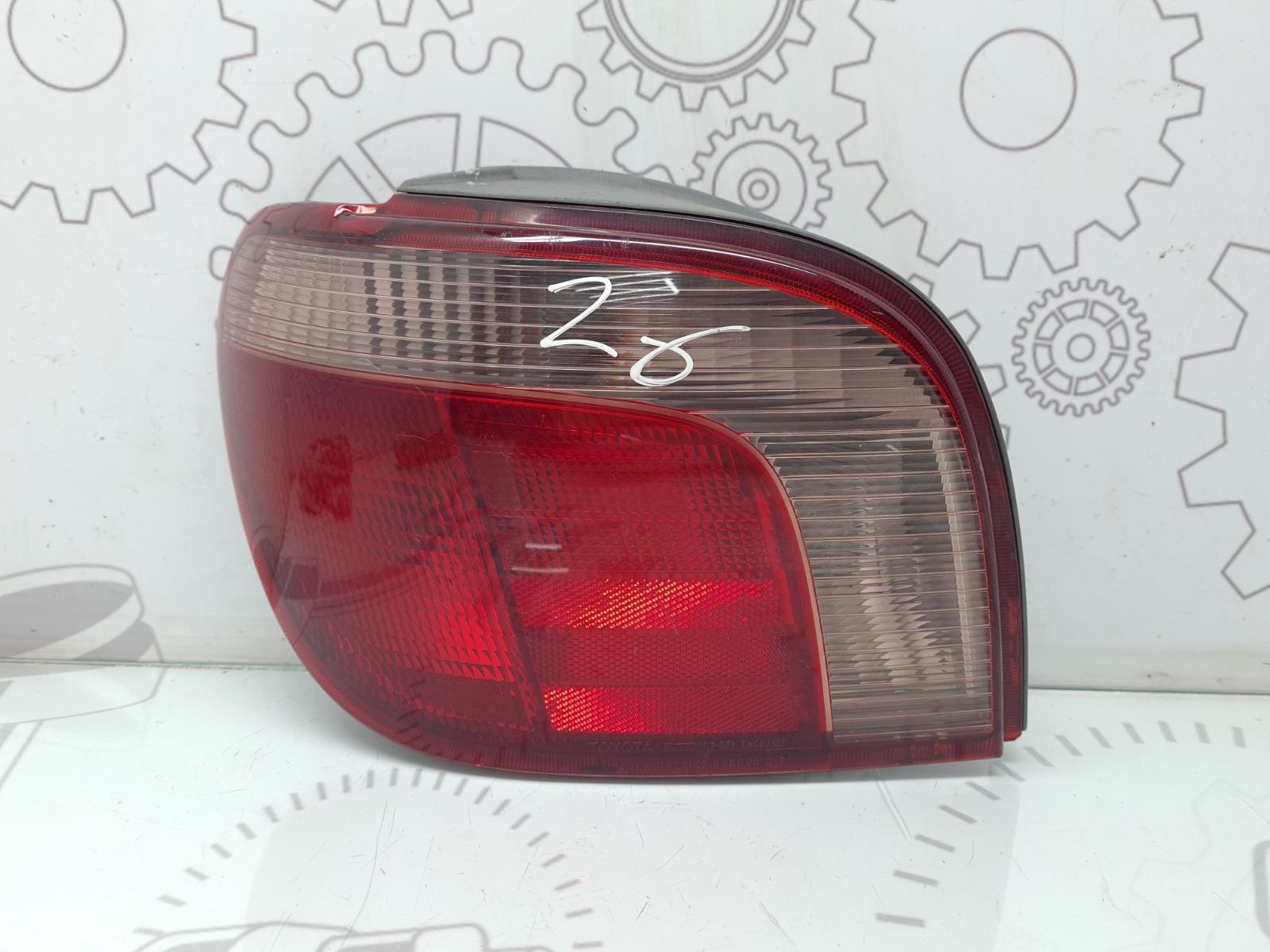 Фонарь задний левый Toyota Yaris P1 1.3 I 2002 (б/у)