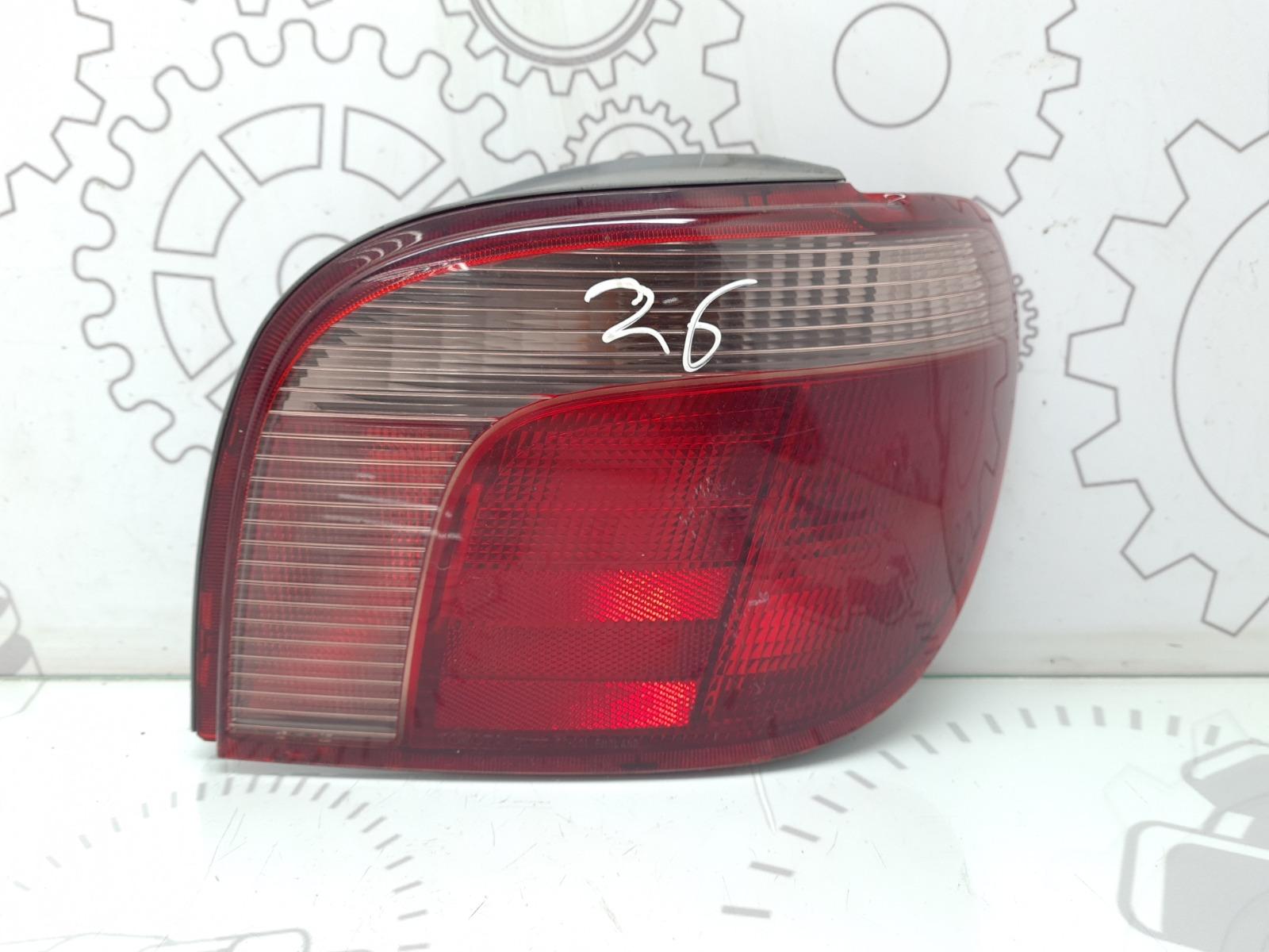 Фонарь задний правый Toyota Yaris P1 1.3 I 2002 (б/у)