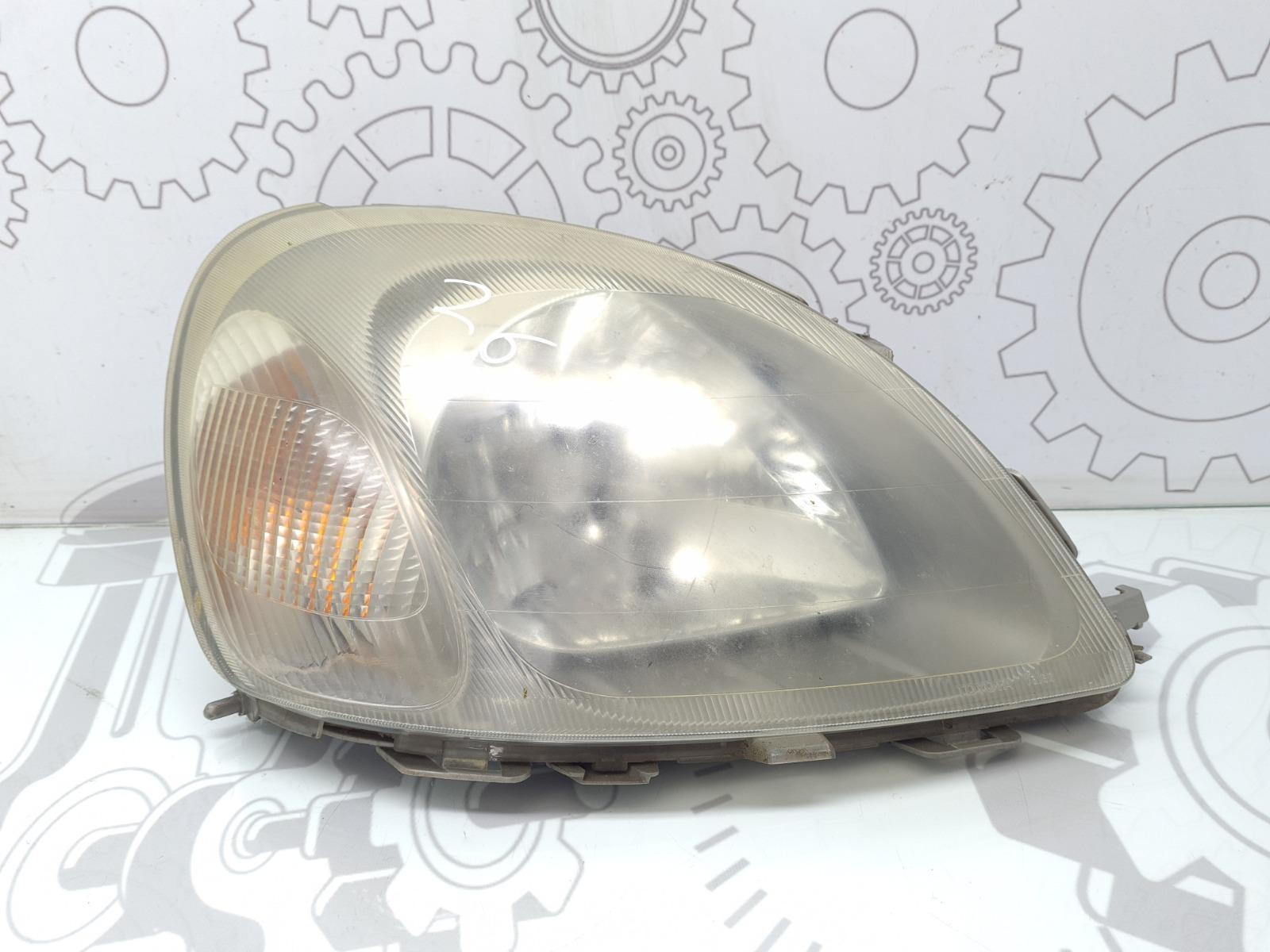 Фара правая Toyota Yaris P1 1.3 I 2002 (б/у)