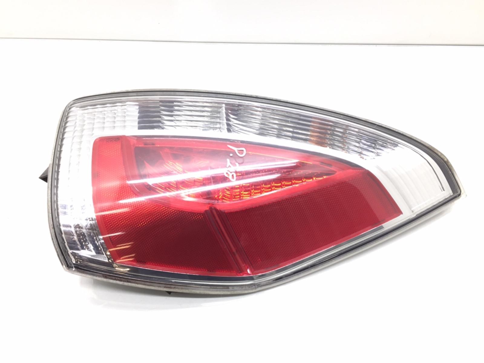Фонарь задний правый Mazda 5 2.0 I 2008 (б/у)