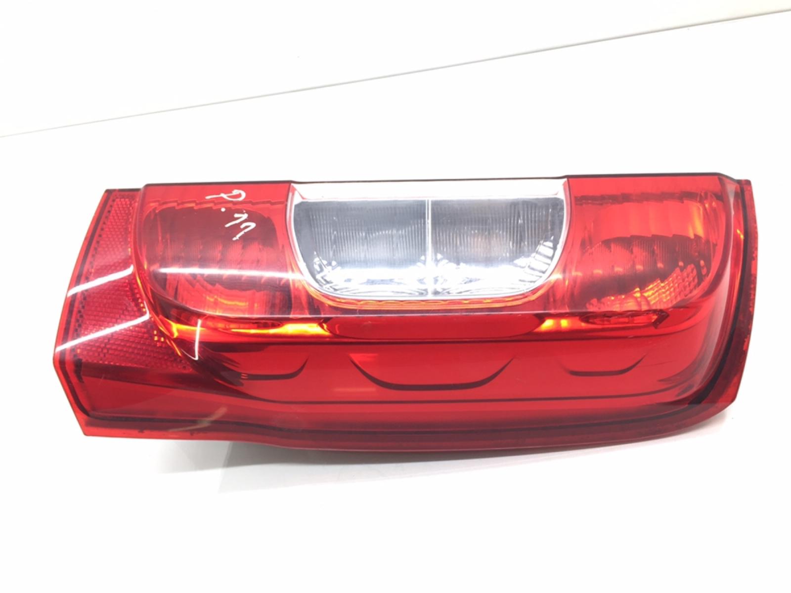 Фонарь задний правый Peugeot Bipper 1.4 TD 2009 (б/у)