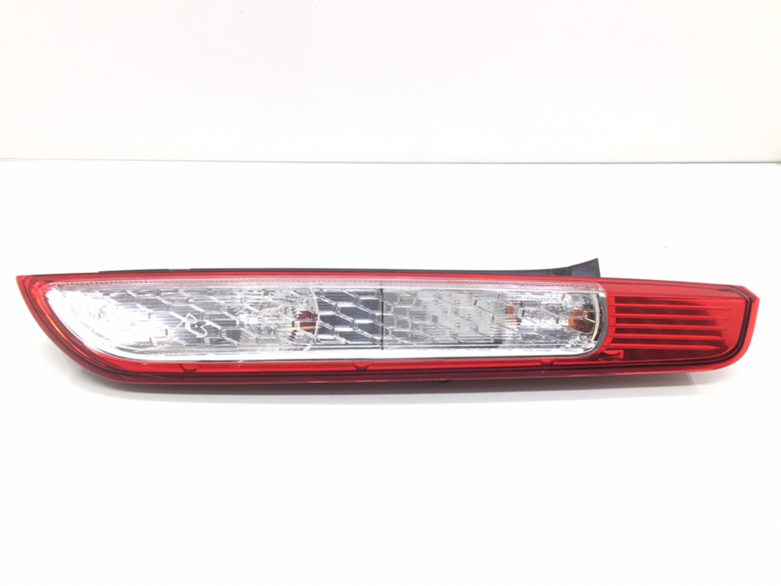Фонарь задний правый Ford Focus 1.6 TDCI 2011 (б/у)
