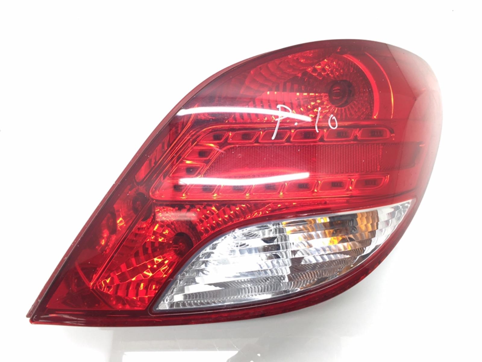 Фонарь задний правый Peugeot 207 1.6 HDI 2010 (б/у)