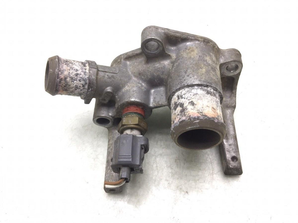 Фланец (тройник) системы охлаждения Ford Fusion 1.4 I 2004 (б/у)