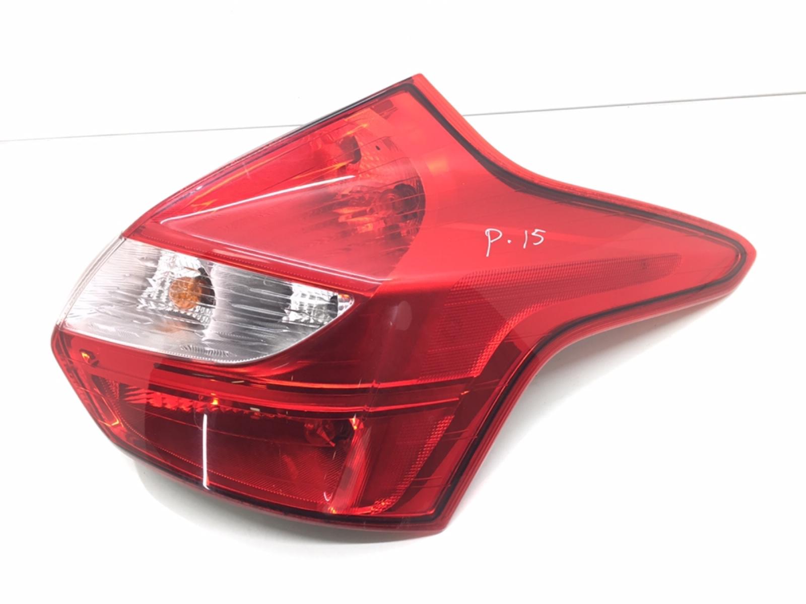 Фонарь задний правый Ford Focus 3 1.0 I 2013 (б/у)