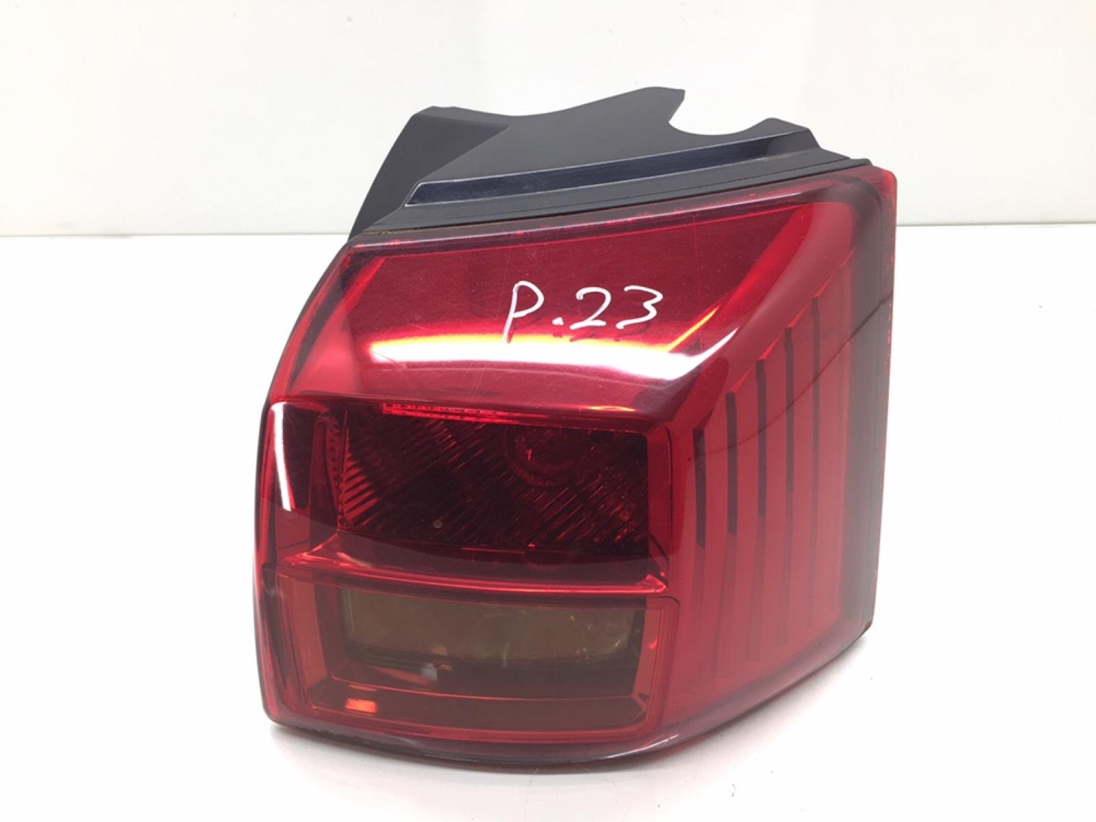 Фонарь задний правый Peugeot 4007 2.2 HDI 2008 (б/у)