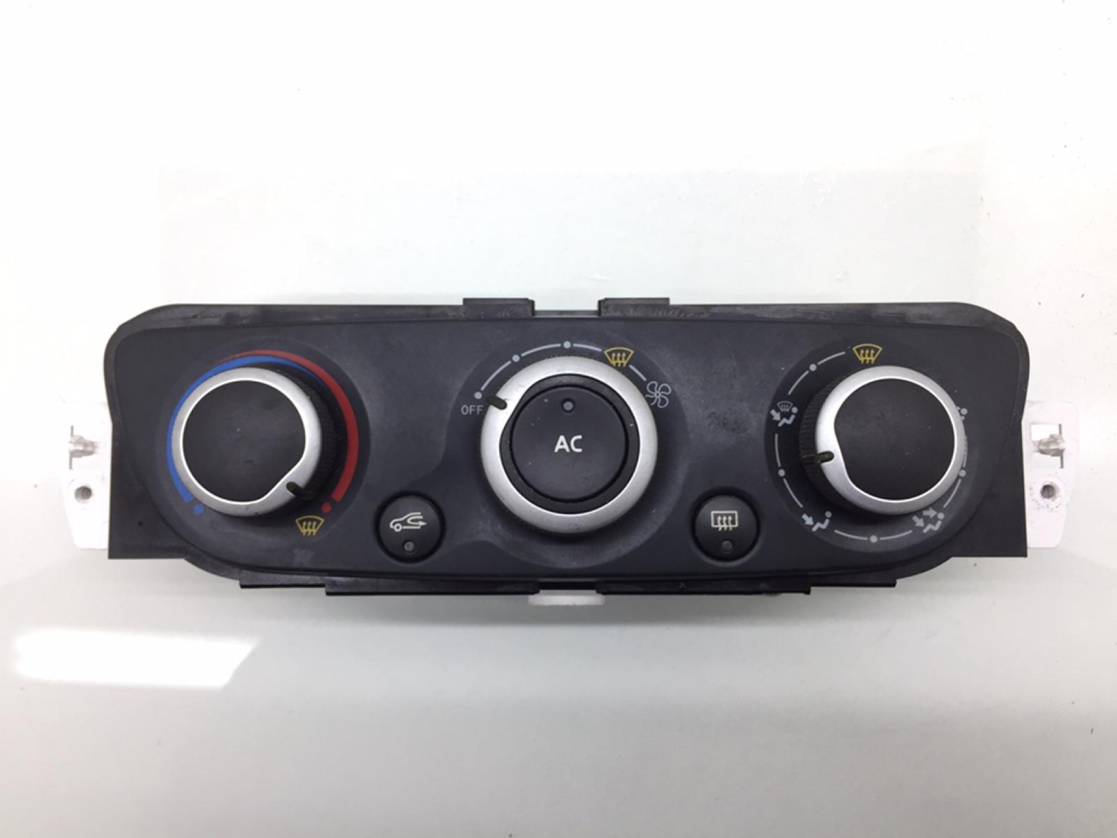 Блок управления печки/климат-контроля Renault Megane 1.6 I 2009 (б/у)