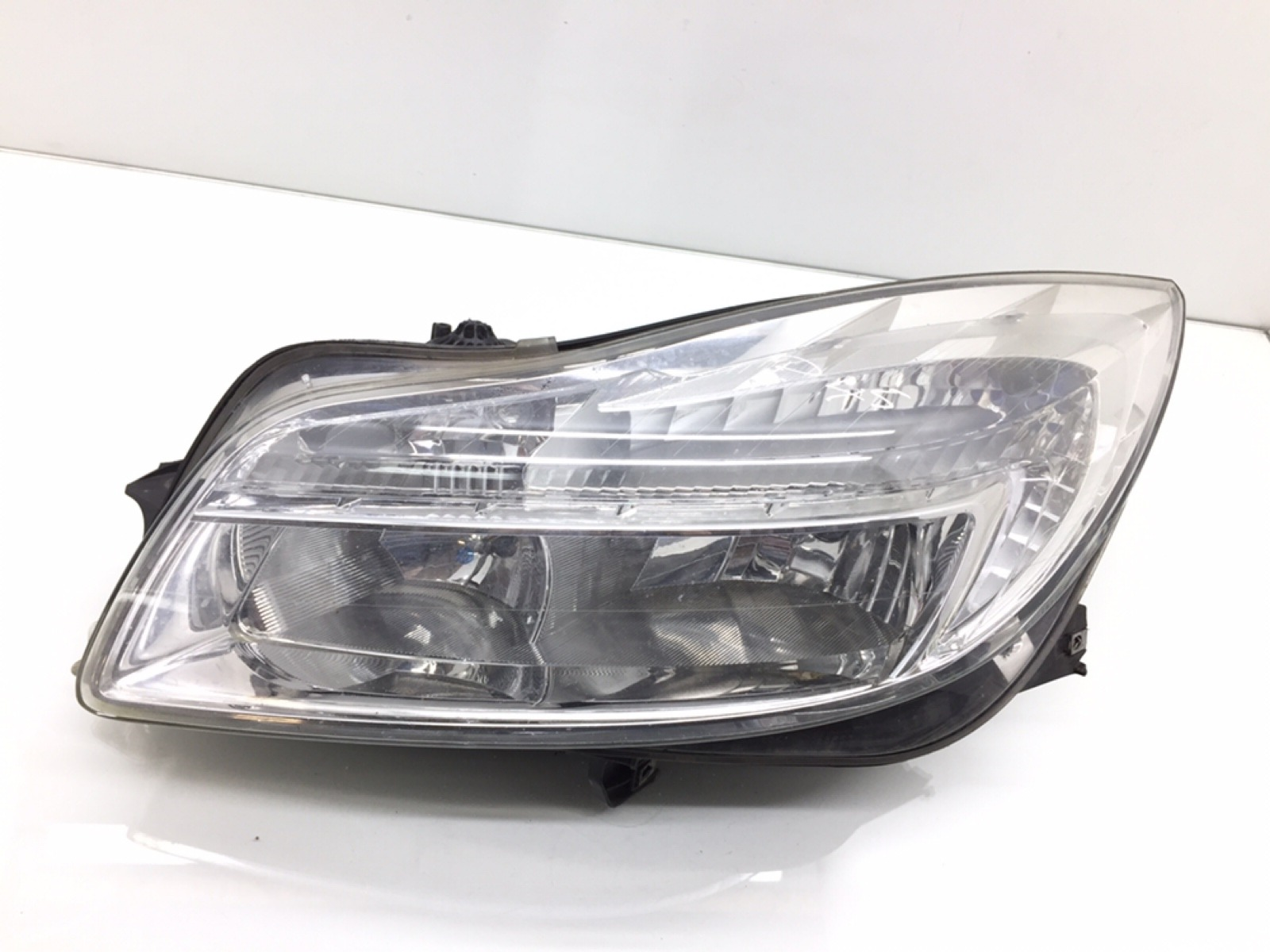 Фара левая Opel Insignia 2.0 CDTI 2010 (б/у)