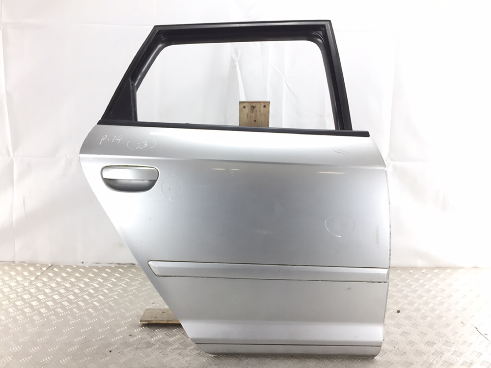 Дверь задняя правая Audi A3 8P 2.0 TDI 2006 (б/у)