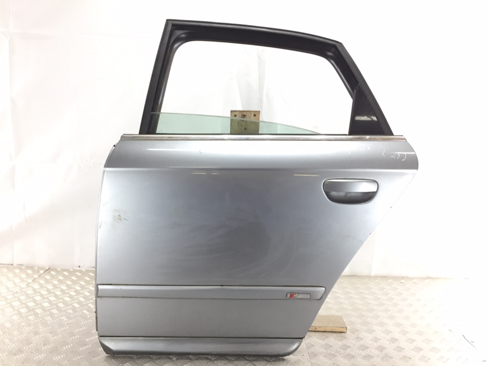 Дверь задняя левая Audi A4 B7 1.8 TI 2005 (б/у)