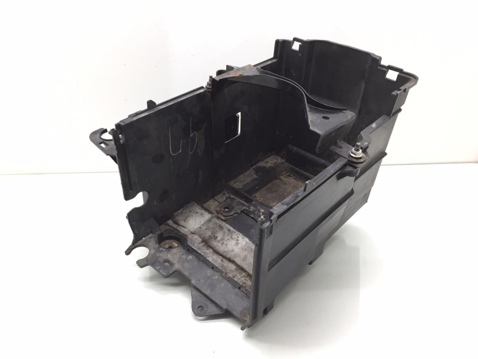 Полка аккумулятора Mazda 5 2.0 I 2008 (б/у)