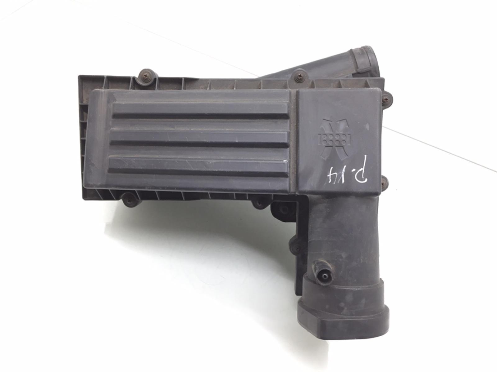Корпус воздушного фильтра Audi A3 8P 2.0 TDI 2006 (б/у)