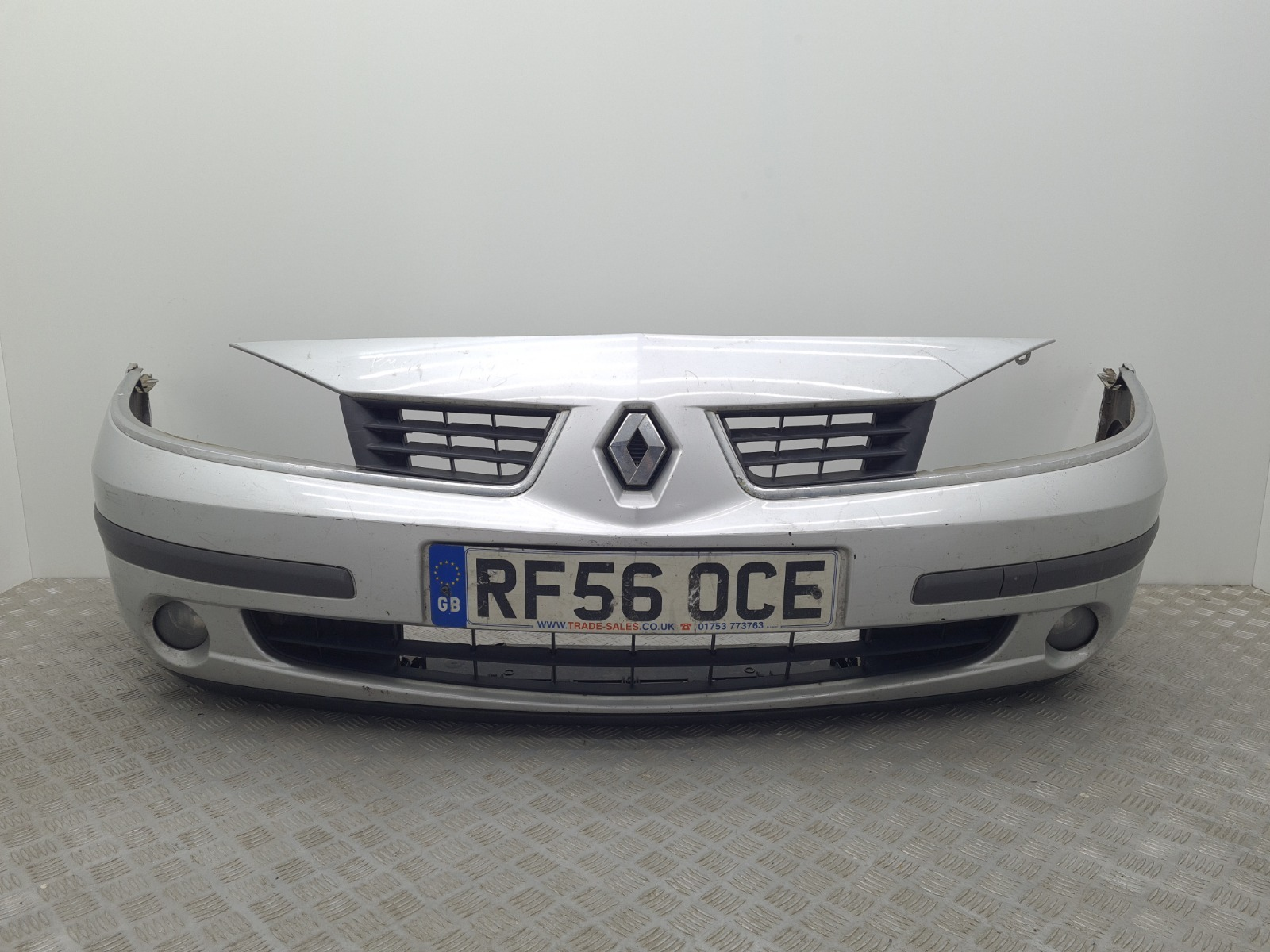 Бампер передний Renault Laguna 2.0 DCI 2006 (б/у)