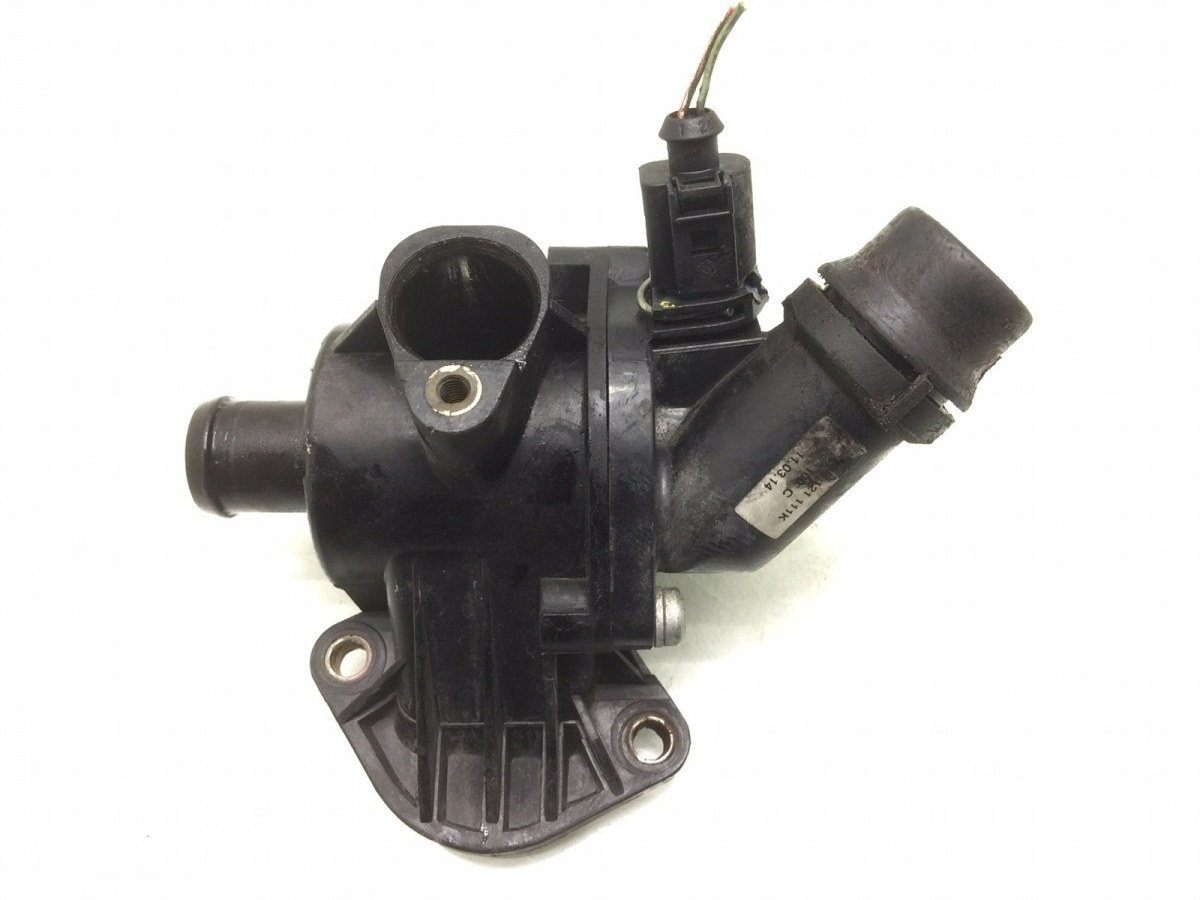 Корпус термостата Audi A4 B6 2.0 I 2004 (б/у)