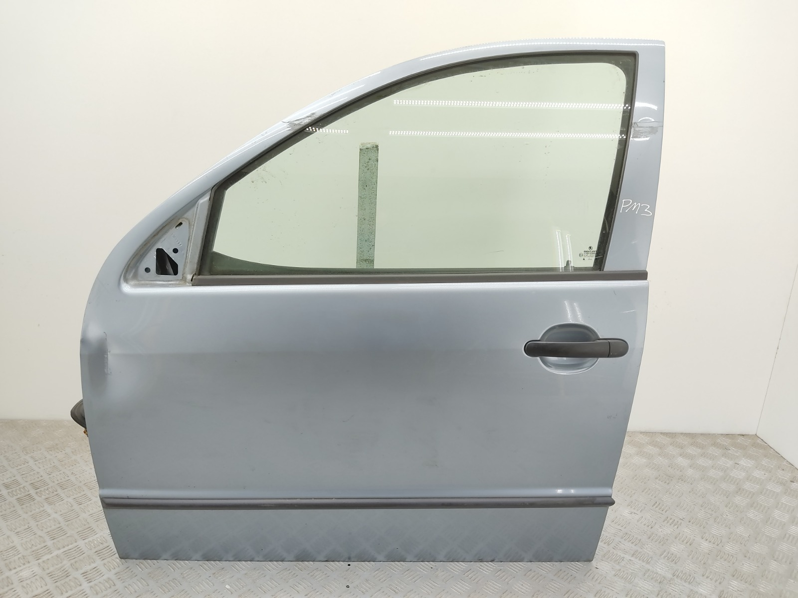 Дверь передняя левая Skoda Fabia 1 1.4 TDI 2003 (б/у)