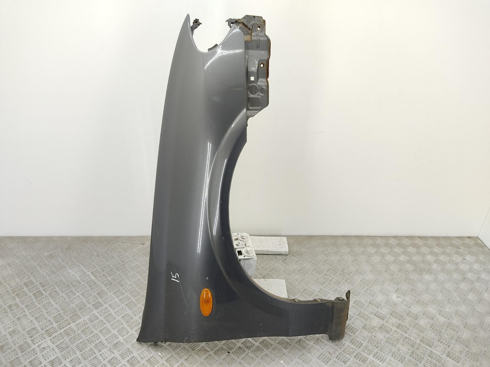 Крыло переднее правое Nissan Almera N16 1.5 I 2003 (б/у)