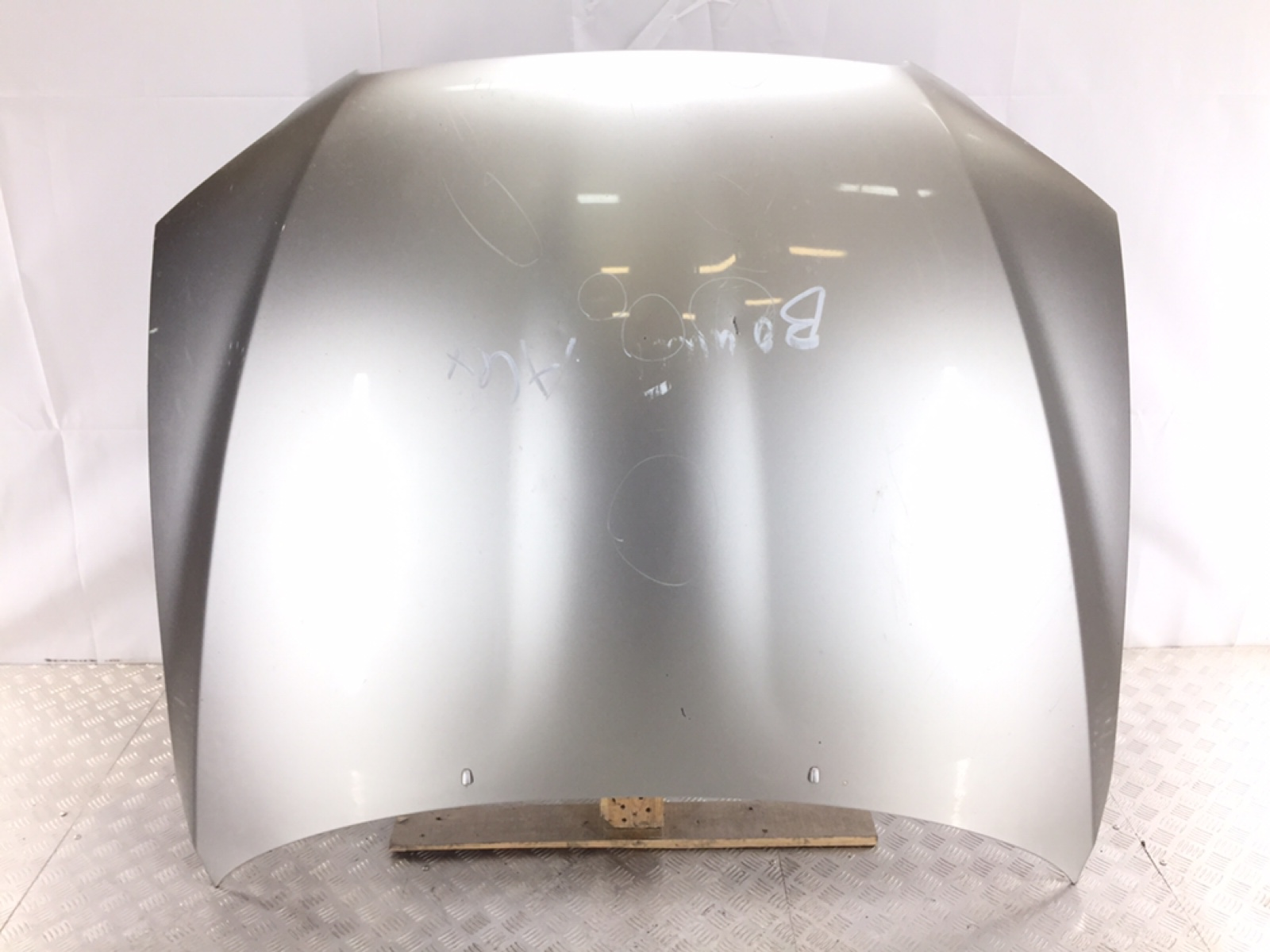 Капот Lexus Is 2.0 I 2000 (б/у)