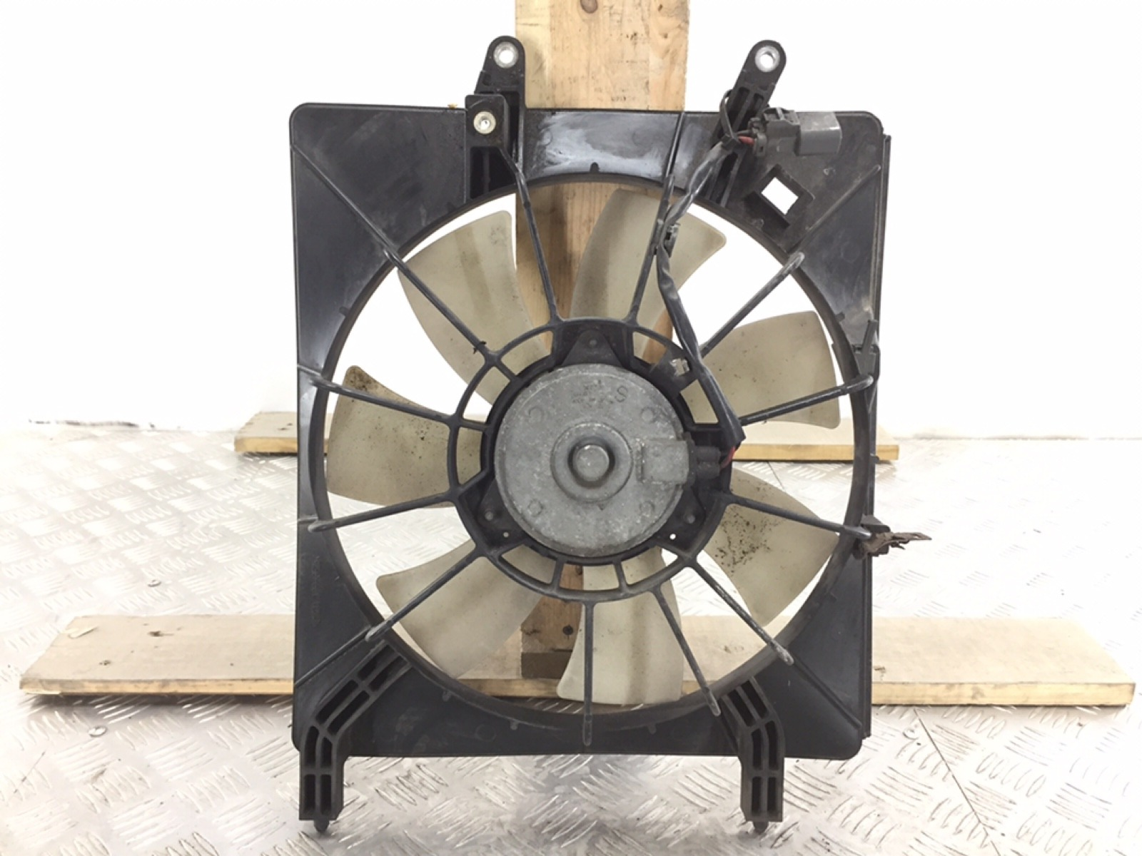 Вентилятор радиатора Honda Accord MK6 2.4 I 2005 (б/у)