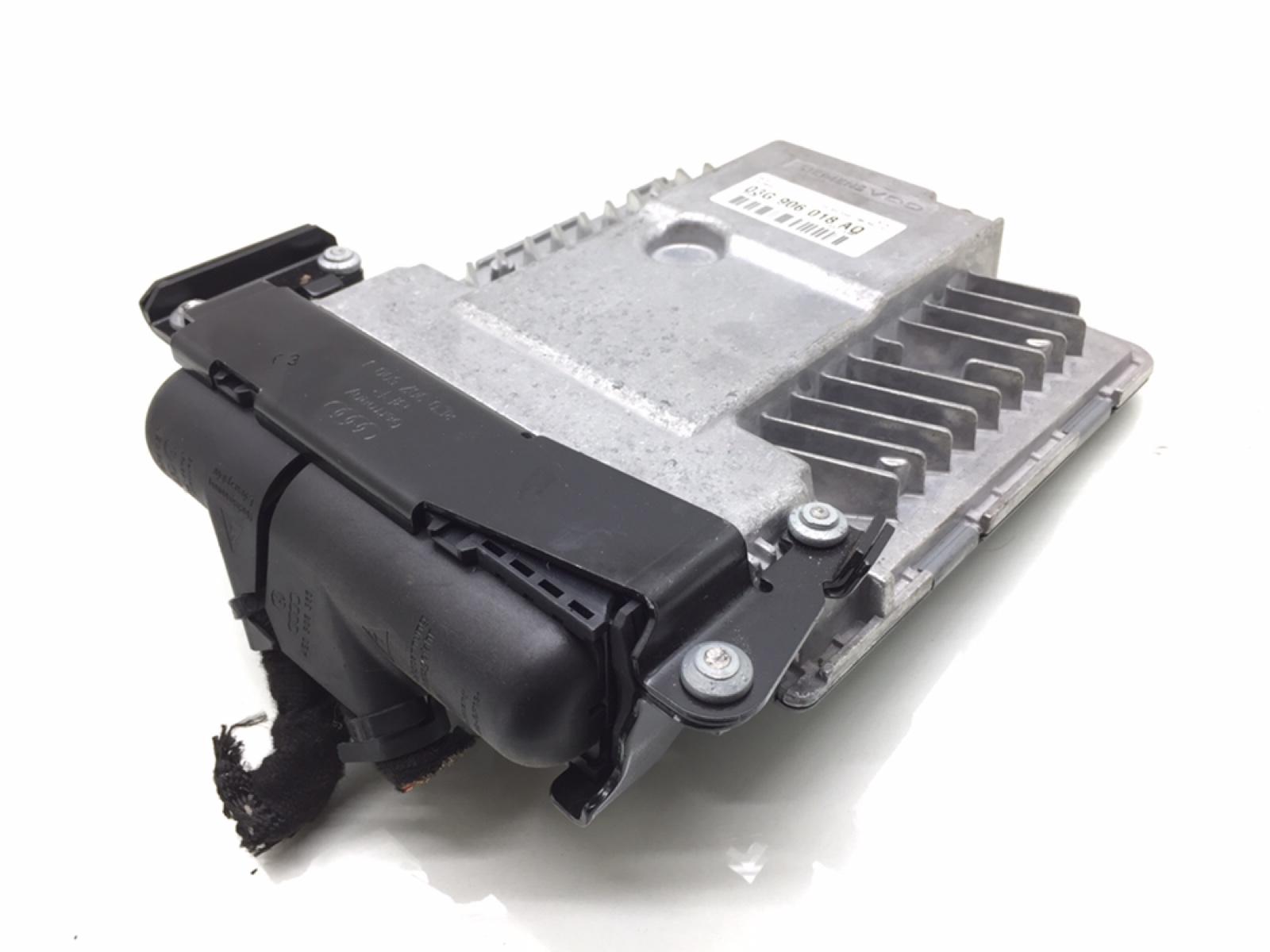 Блок управления двигателем Audi A4 B7 2.0 TDI 2007 (б/у)