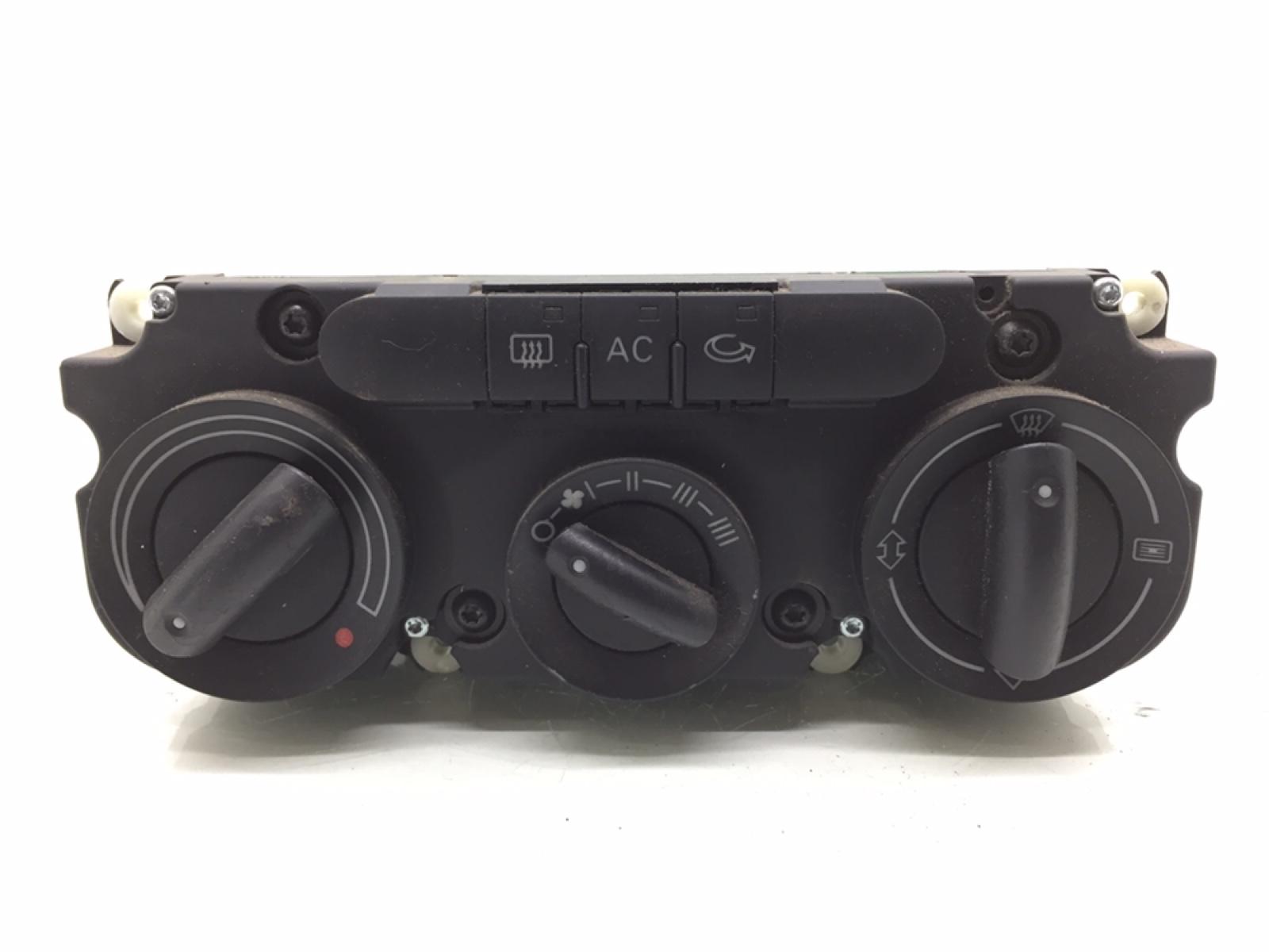 Блок управления печки/климат-контроля Audi A4 B7 2.0 TDI 2007 (б/у)