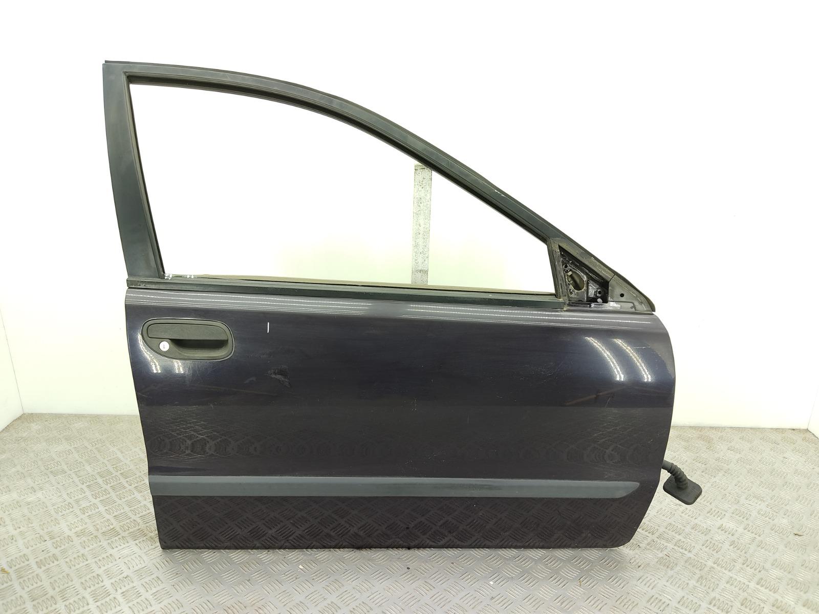 Дверь передняя правая Volvo V40 2.0 I 2000 (б/у)