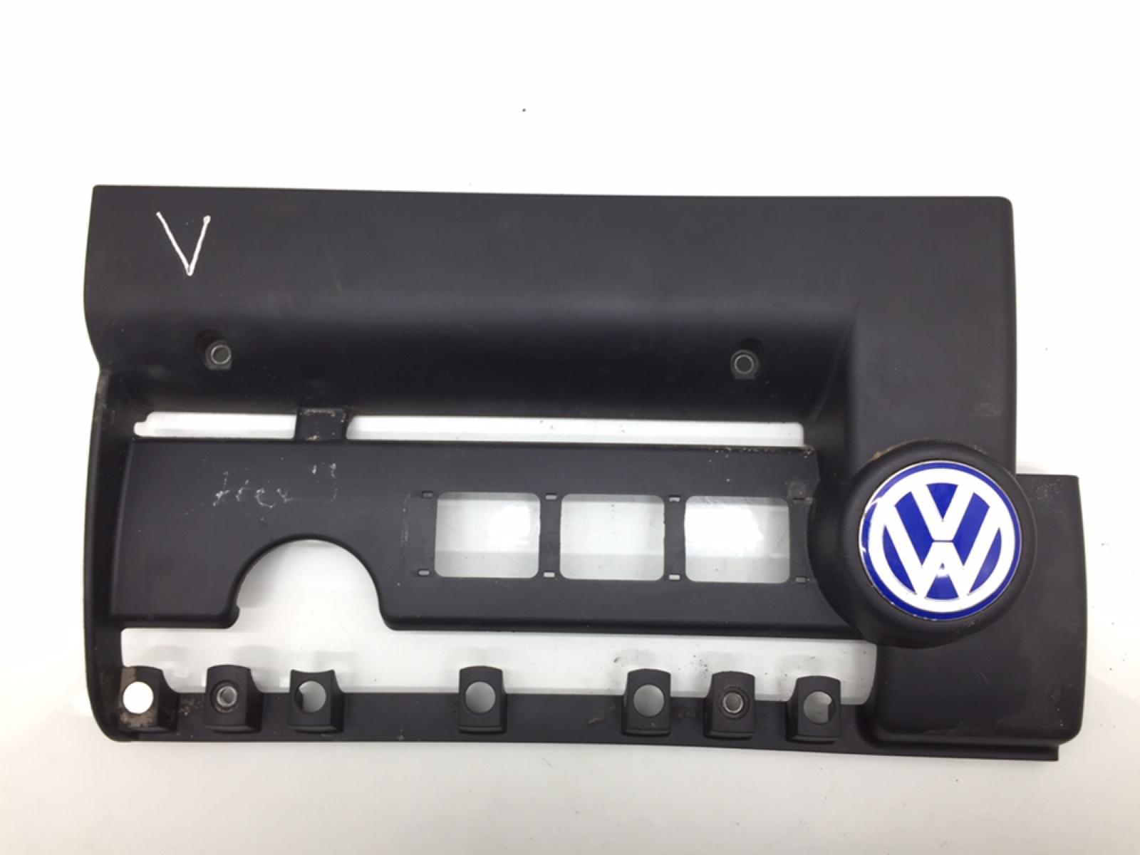 Декоративная крышка двигателя Volkswagen Golf 4 1.4 I 2002 (б/у)