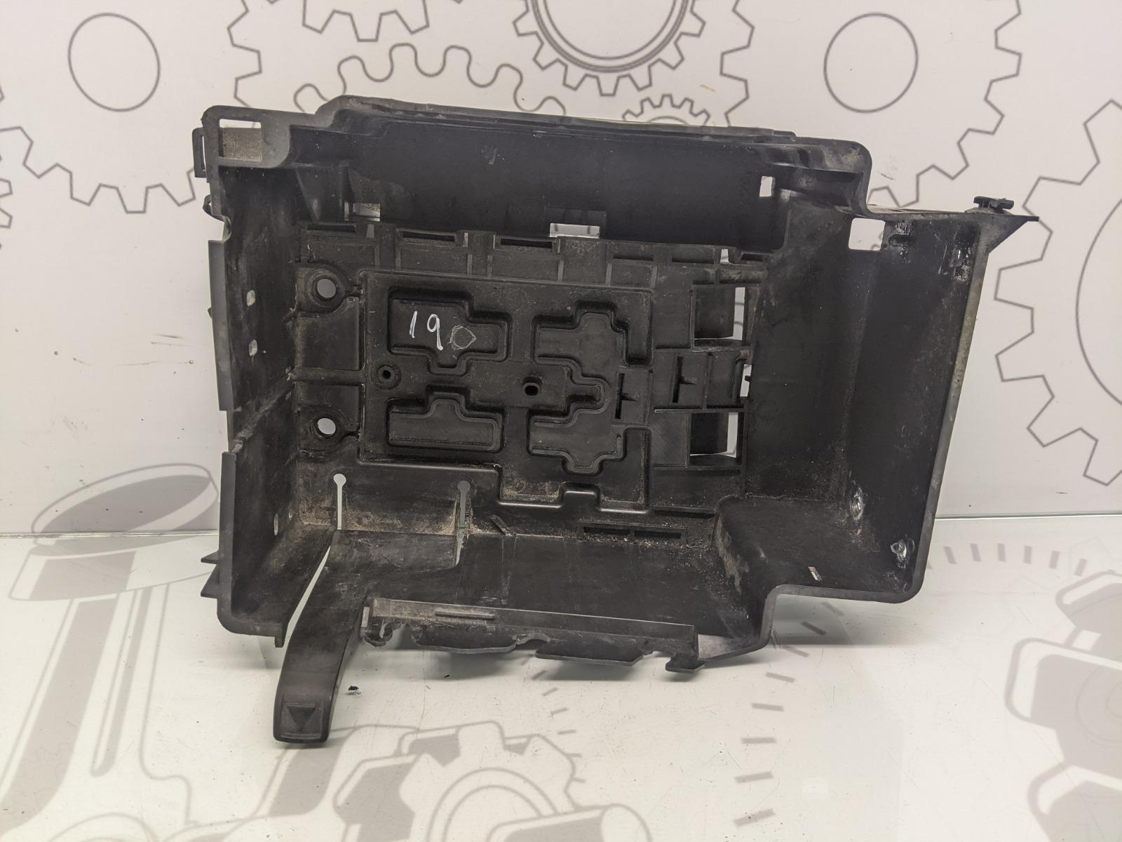 Полка аккумулятора Citroen C2 1.4 I 2006 (б/у)