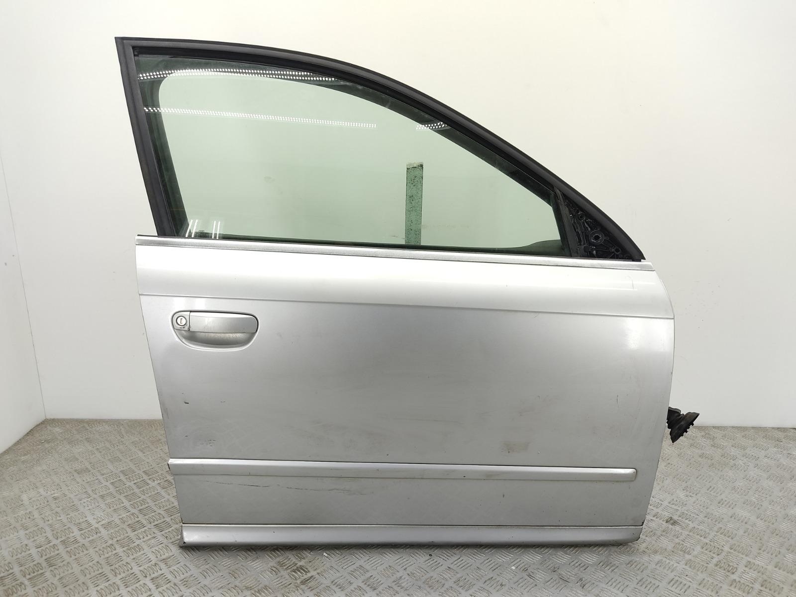 Дверь передняя правая Audi A4 B7 2.0 TDI 2006 (б/у)