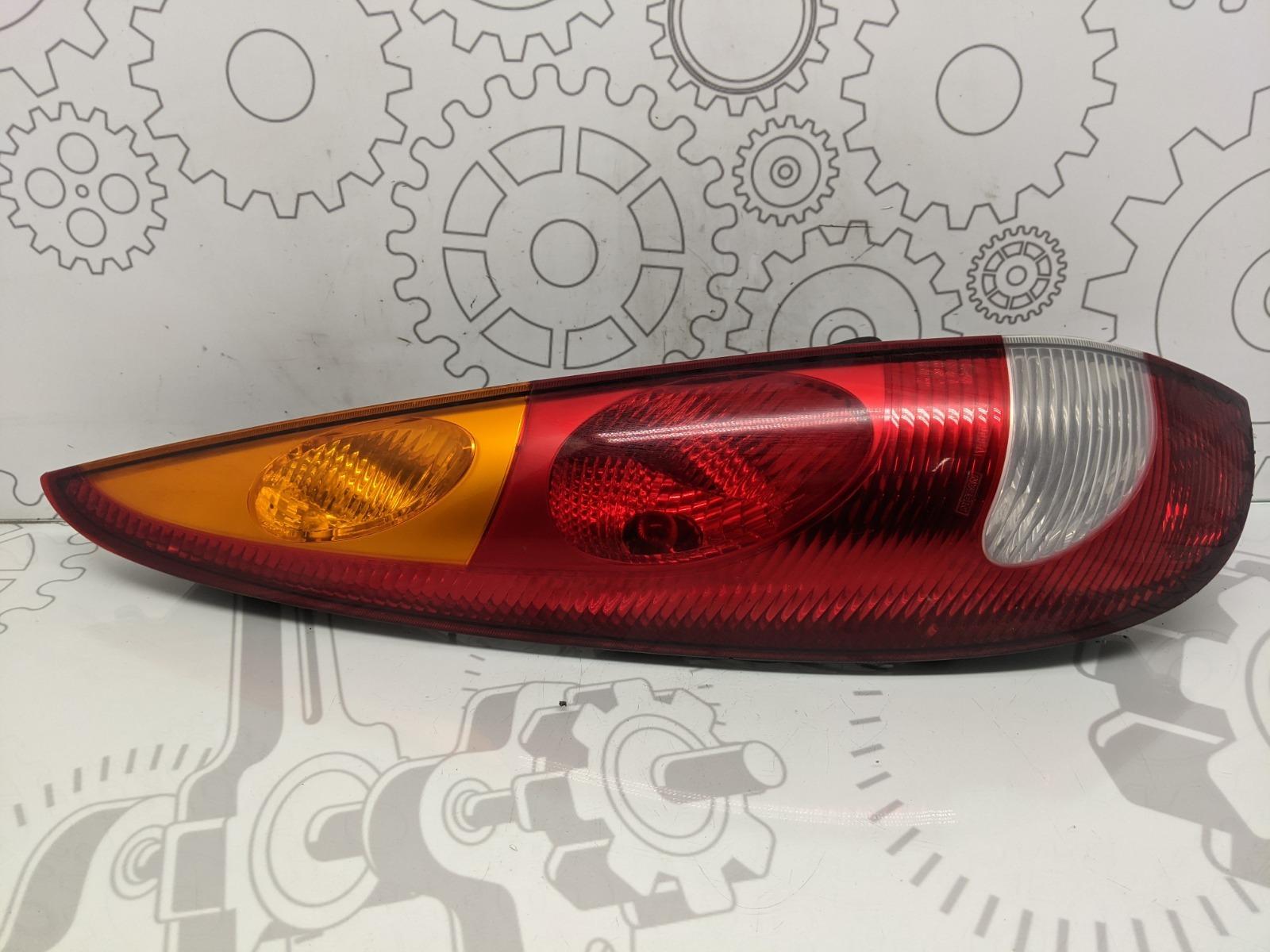 Фонарь задний левый Nissan Almera Tino 2.0 I 2002 (б/у)
