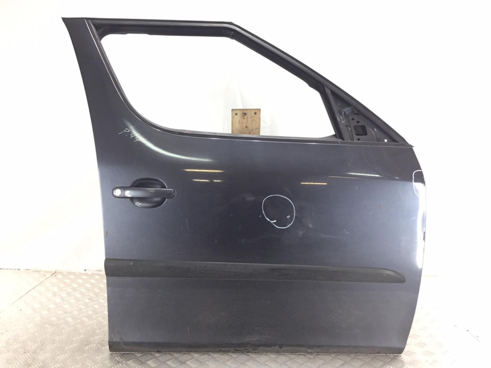 Дверь передняя правая Skoda Roomster 5J 1.4 TDI 2006 (б/у)