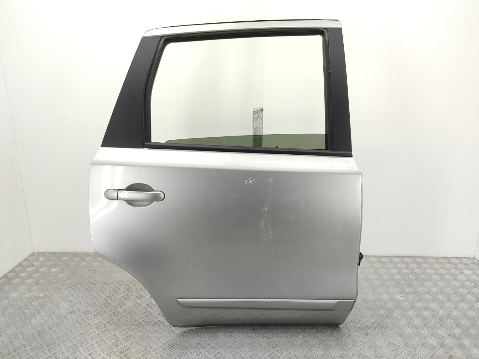 Дверь задняя правая Nissan Note E11 1.6 I 2006 (б/у)