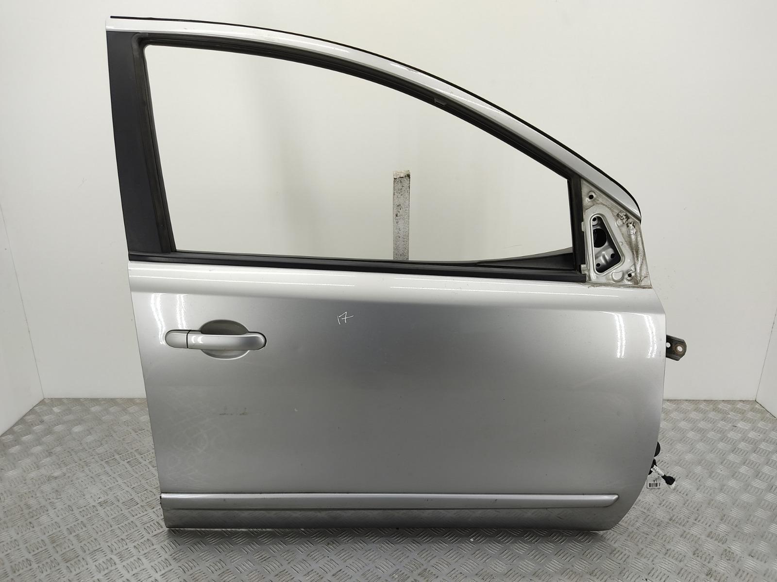 Дверь передняя правая Nissan Note E11 1.6 I 2006 (б/у)