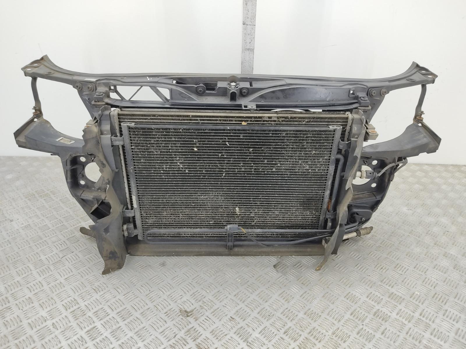 Панель передняя (телевизор) Audi A4 B7 2.0 TDI 2006 (б/у)